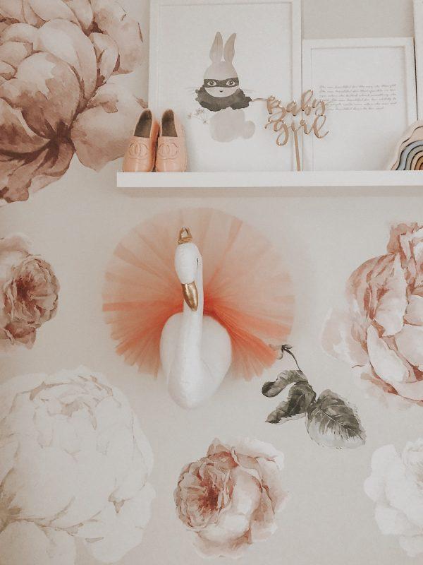 bedroom swan wall